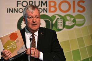 Le ministre Luc Blanchette - Forum Innovation Bois 2016 - Crédit Ghislain Mailloux